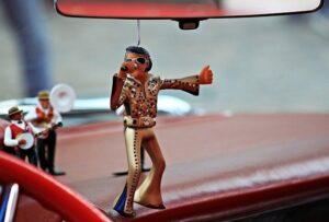 Retro Reminiscing: Elvis in Las Vegas